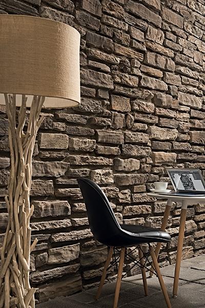 Mur en pierres reconstituées avec joints