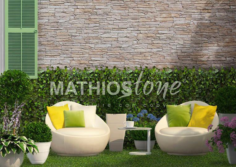 Terasse couverte avec piscine et pant de mur en pierre de parement mathios isola couleur café