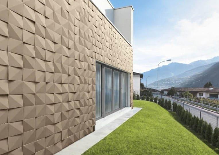 Côté extérieur d'une maison en pierre de parement acl vertices café