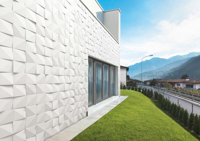 Côté extérieur d'une maison en pierre de parement acl vertices clair