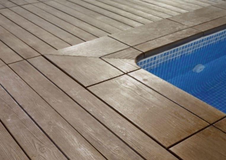 Bord de piscine en pierre reconstituée acl madeira deck classic couleur brune