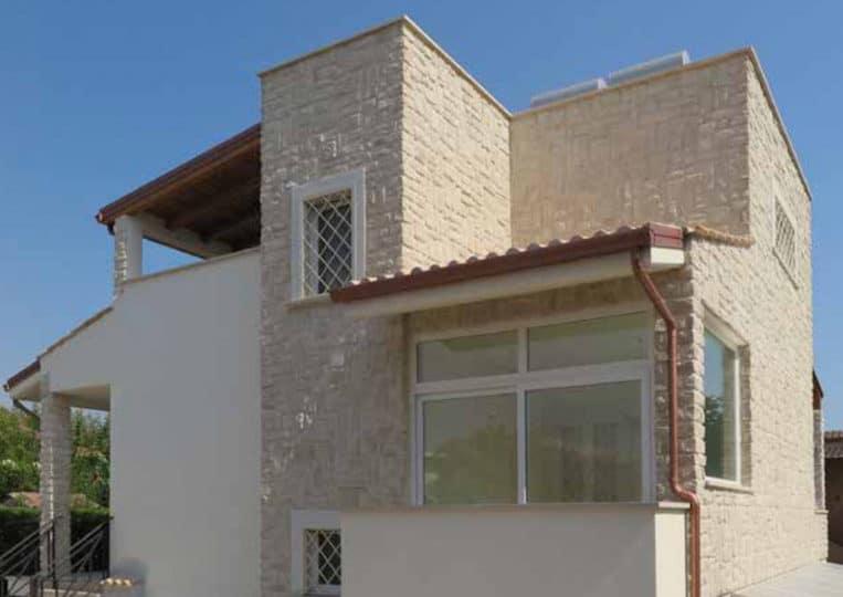 Maison en pierre reconstituée pietre d'arredo granada claire
