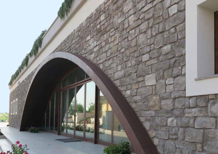 Bâtiment en pierre reconstituée pietre d'arredo santiago