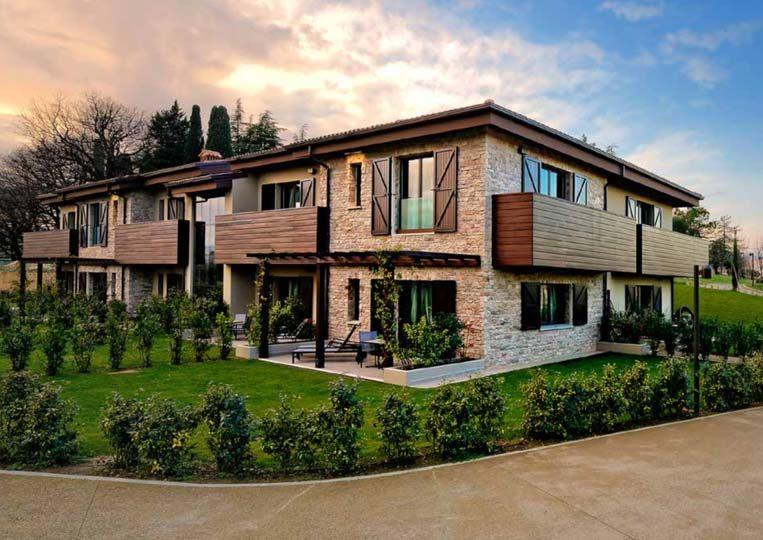 Appartement construit en pierre reconstituée pietre d'arredo taos