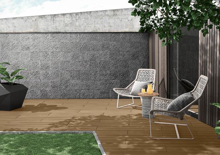 Terasse extérieure de jardin avec un sol imitation bois couleur café acl madeira deck striped