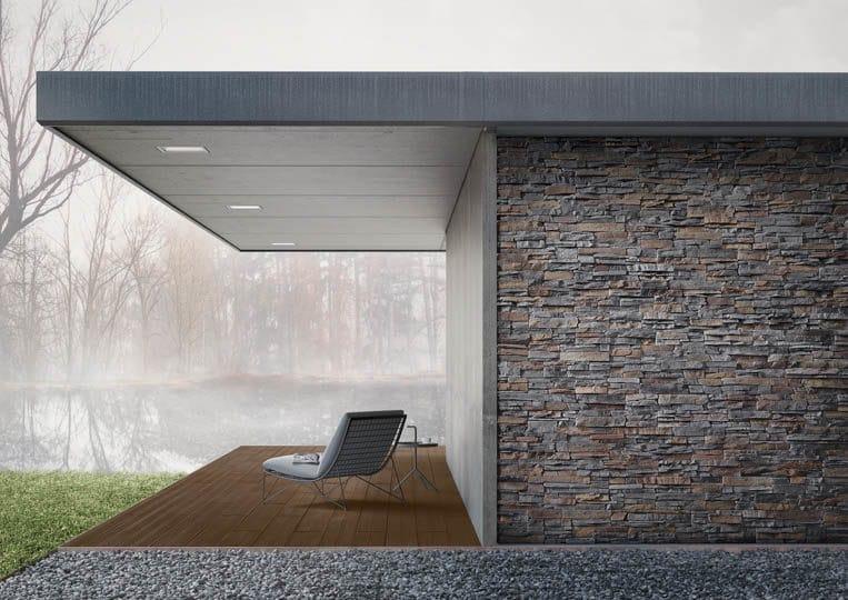 Terasse extérieure couverte avec vue sur lac et un sol en imitation bois couleur café foncé acl mdaeira deck striped