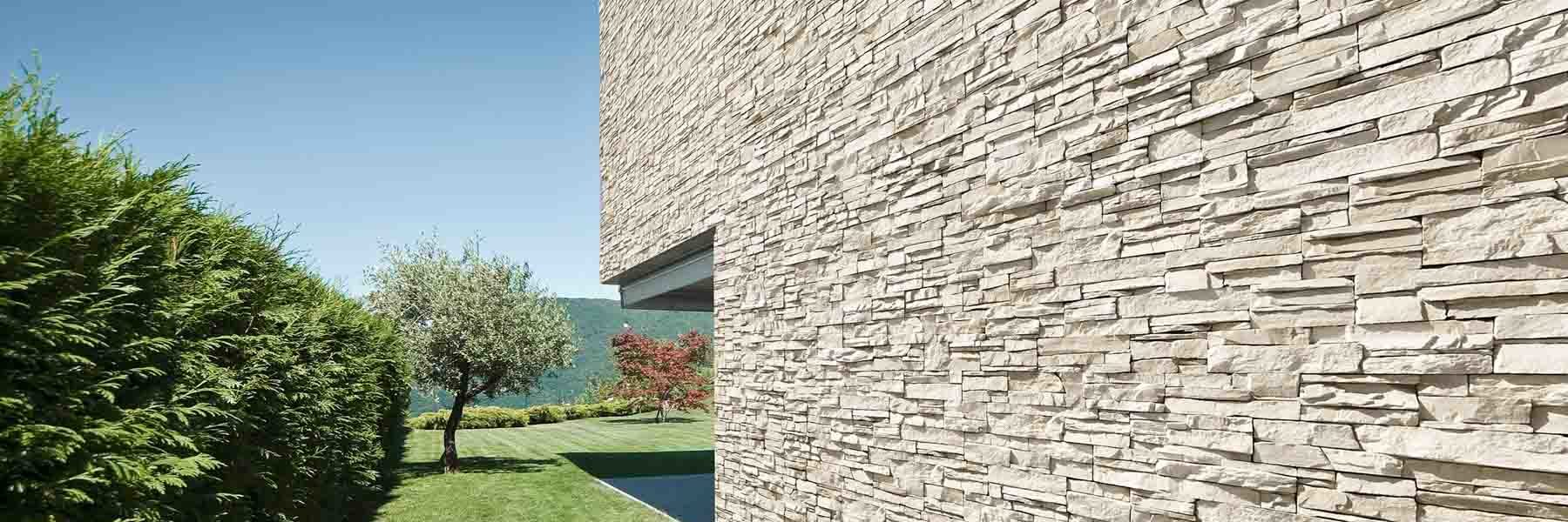 Pan de mur extérieur en pierre de parement acl siena couleur sable