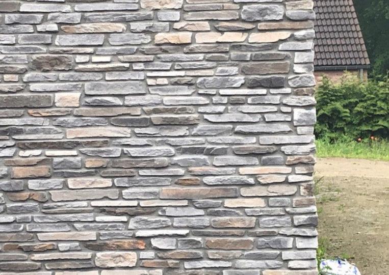 Mur extérieur en pierre reconstituée rastone sierra gris