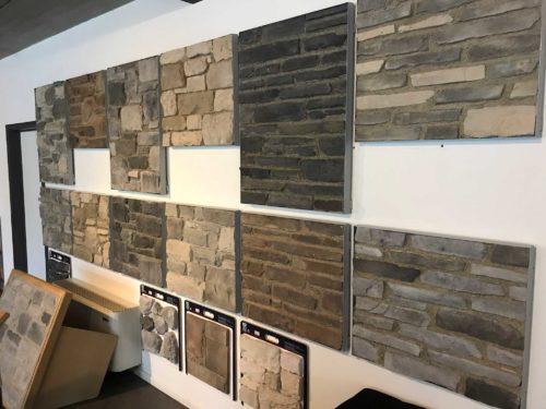 Un des murs du showroom GCR Stone