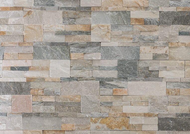 Mur en pierre naturelle beige