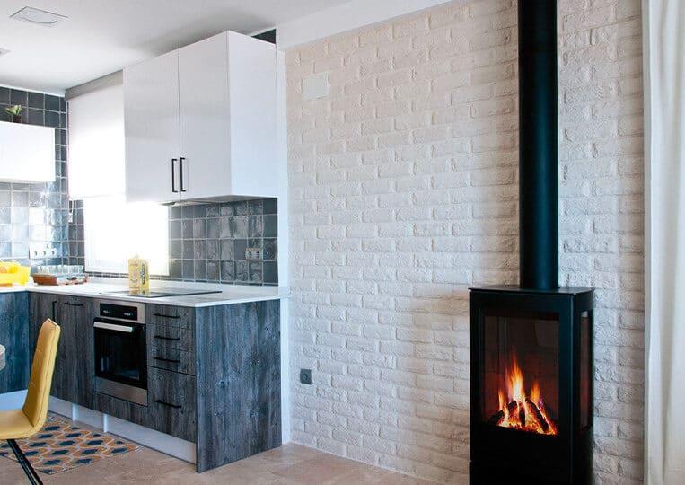 Mur construit en pierre reconstituée London blanco briquettes