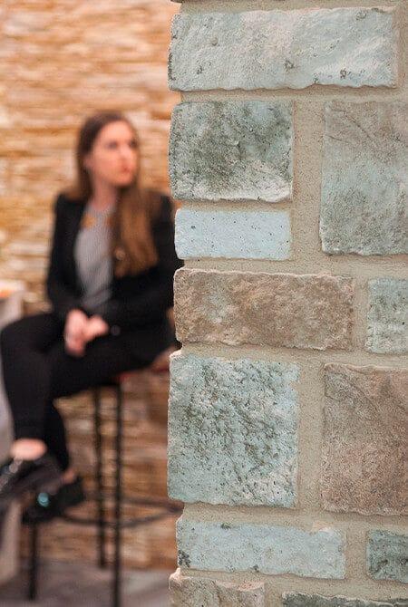 Coin de mur en colorado pierre reconstituée de parement