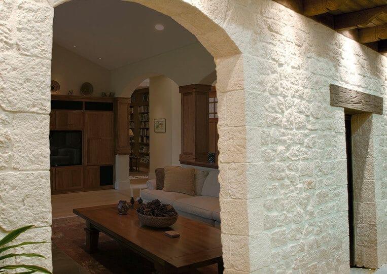 mur intérieur en cortijo pierre reconstituée