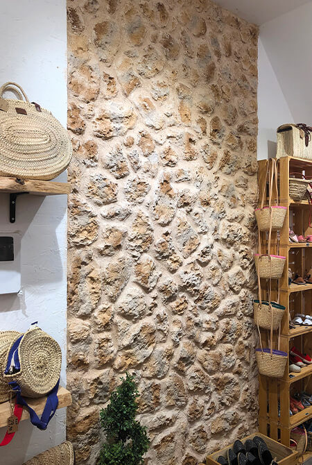 Pans de mur en pierre de parement timanfaya