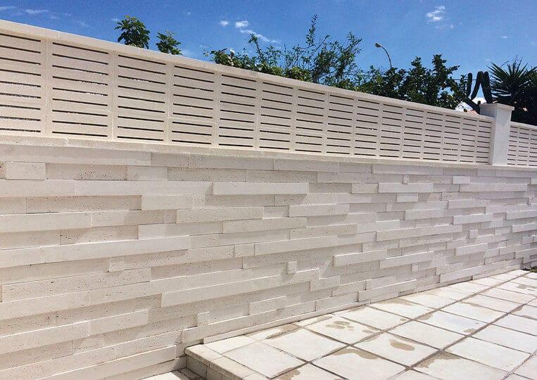 Mur extérieur en pierre de parement reconstituée tivoli