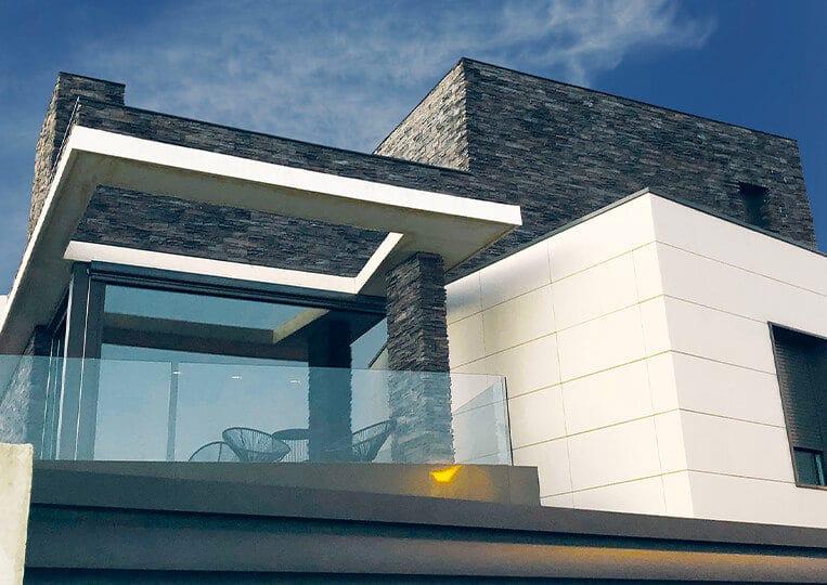 maison construite en pierre de parement varadero